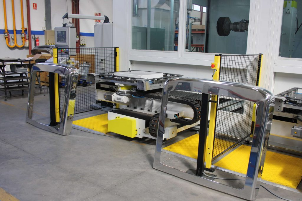 POLISHING-TRUCK-GRILLE-SURROUND-2